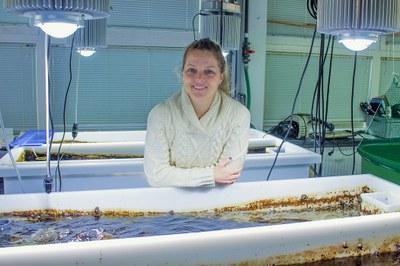 Angela Stevenson in lab at Geomar